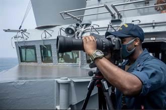 美驅逐艦通過台海 陸東部戰區:全程跟蹤應對挑釁