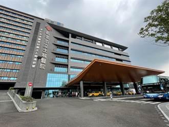 新北市急增3快篩站基層醫護忙翻 土城醫院宣布篩檢量砍半