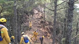 八通關杜鵑營地林火延燒50公頃 森林護管員全力闢建防火線