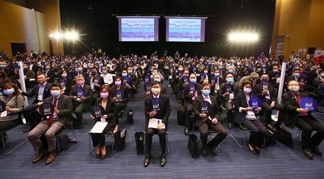 市府攜手114家廠商參與「高雄5G AIoT國際大聯盟」。(圖片提供/高雄市政府經濟發展局)