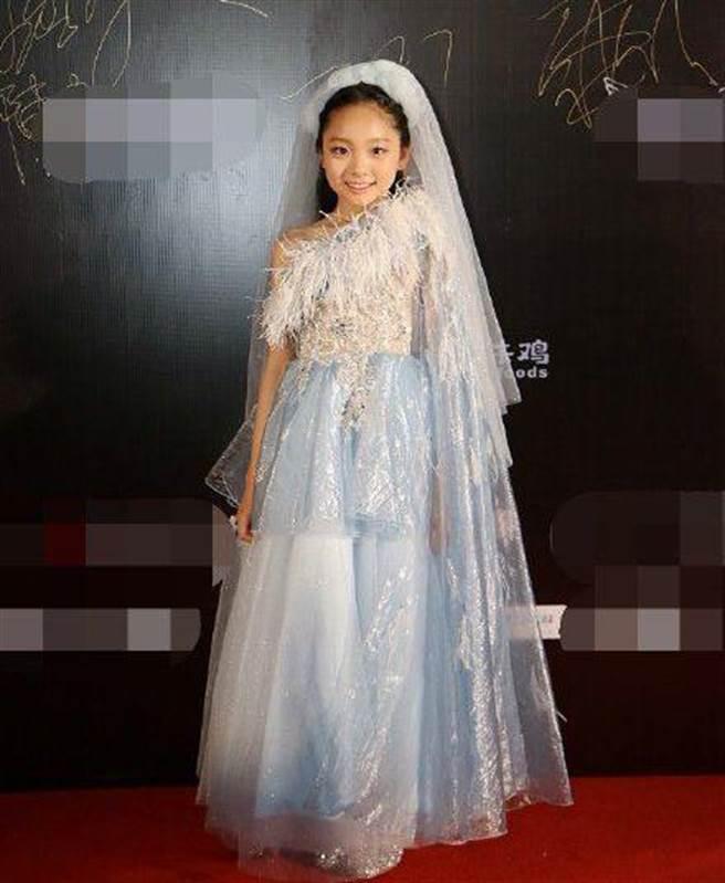 范朵朵參加「你好時尚之夜2021青少年之夜」活動。