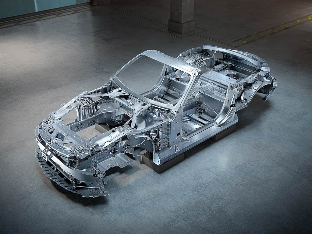 炫技? Mercedes-Benz 說 SL 車系的車體架構沒有一處是沿用上一代的零件