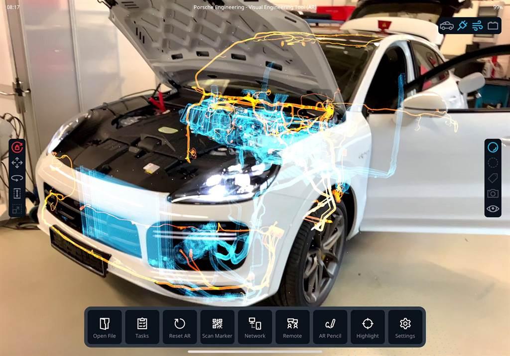 保時捷採用了基於CAD數據和擴增實境(Augmented reality)、虛擬實境(Virtual Reality)的自主研發視覺工程設計工具(Visual Engineering Tool),以快速且具高成本效益的方式,釐清零件的最佳組成方式