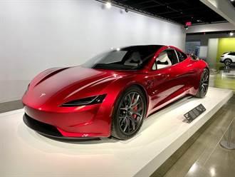 0-96km/h 只需 1.1 秒!馬斯克:外掛火箭推進器的 Roadster 2 加速太猛,身體欠佳的人不宜
