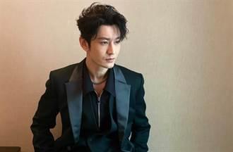 搭地鐵捕獲野生黃曉明 43歲真實狀態網嘆:別再瘦了