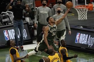 NBA》絕對五大冏!字母哥關鍵時刻罰球10秒違例