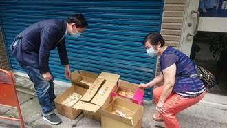 支援一線醫護  暖心婦手作麵包送亞東醫院