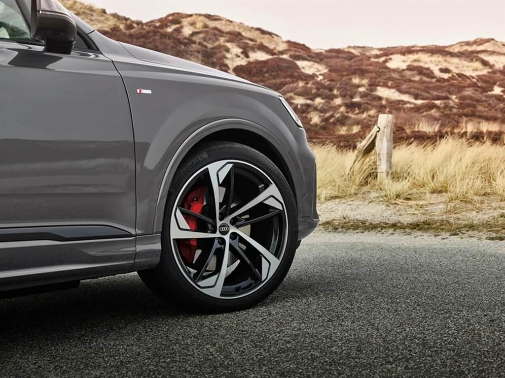 Audi針對新年式A1、A4、A5、Q7、Q8推出S line Competition外觀升級套件