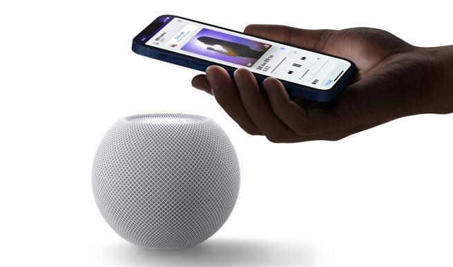 蘋果官網說明,藉由軟體更新HomePod以及HomePod mini未來將可支援播放無損音樂。(摘自蘋果官網)
