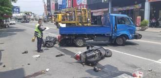 高雄自小客擦撞小貨車引發火燒車 1騎士遭波及傷重不治