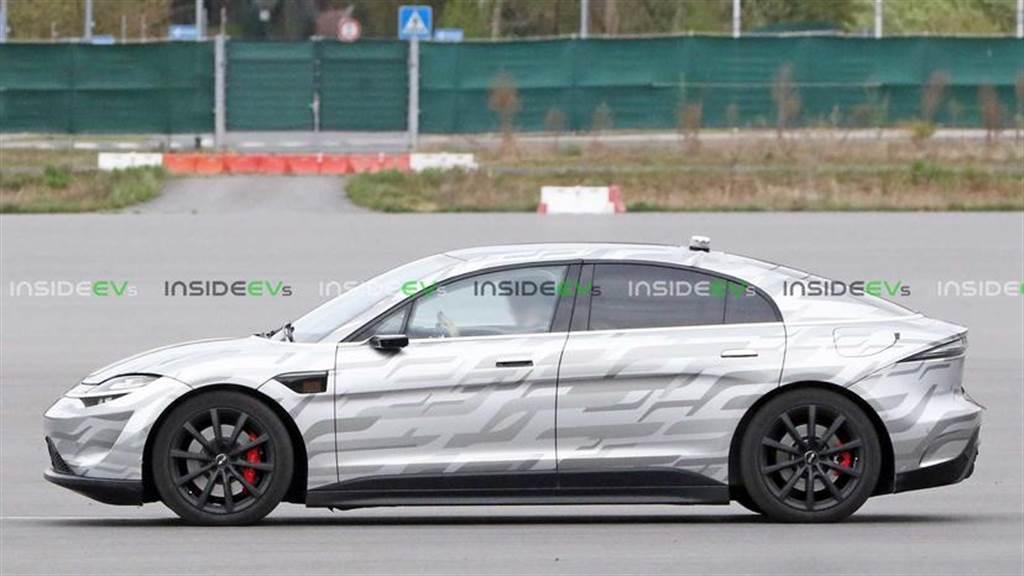 全球最努力工作的非量產車:Sony Vision S 電動概念車又跑去歐洲路測了
