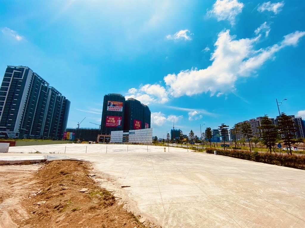 龜山善捷段47地號帶照商業區土地,每坪以153.8萬元創下區域新高價。(台灣房屋提供)