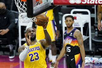 NBA》詹姆斯與一眉哥聯手 湖人射落太陽扳平系列賽