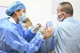 仍有零星疫情 廣州市民大排長龍接種疫苗、已累計811萬人