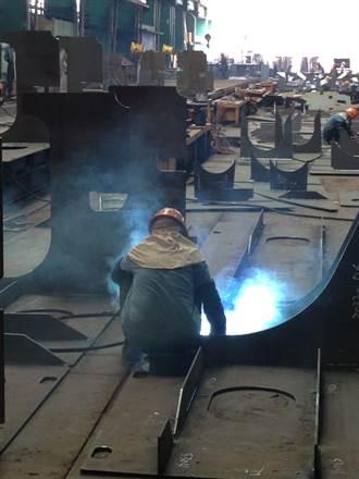 桃園發生工地意外 電焊工人觸電休克