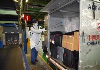 入境行李雙重消毒 桃園機場深度清消