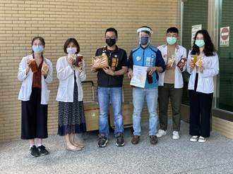 中市藍議員「彤羅燒」 送醫護物資源加油打氣