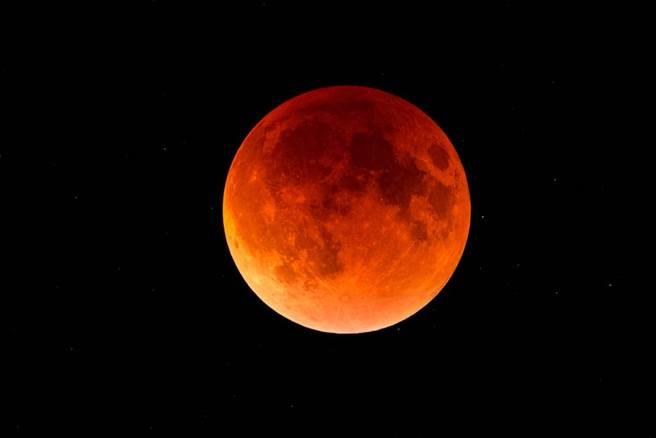 超級血月5月26日出現。(圖/Shutterstock)