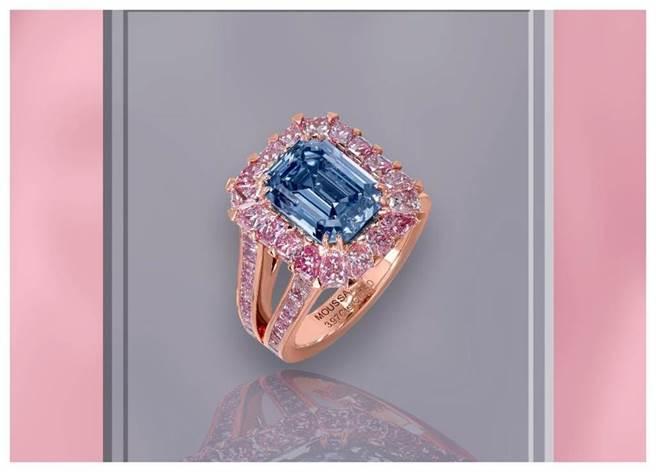 Moussaieff by Anna Hu藍鑽戒指,主石為3.97克拉藍鑽。(Moussaieff by AnnaHu提供)