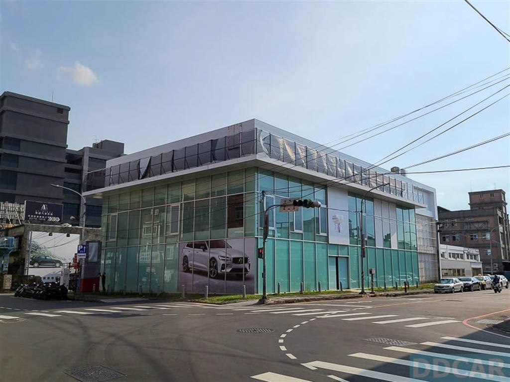 特斯拉新莊服務體驗中心籌備中,大台北賞車購車、保養維修更方便