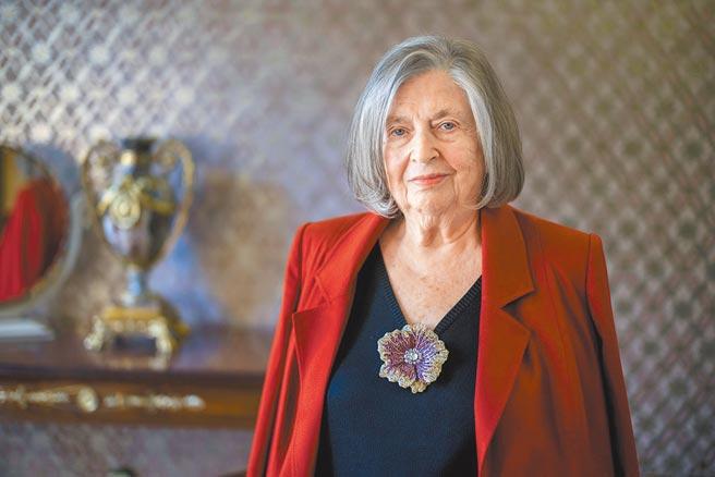 有「鑽石女王」美譽的猶太裔珠寶商Moussaieff家族現任掌門人Alisa Moussaieff。(Moussaieff提供)