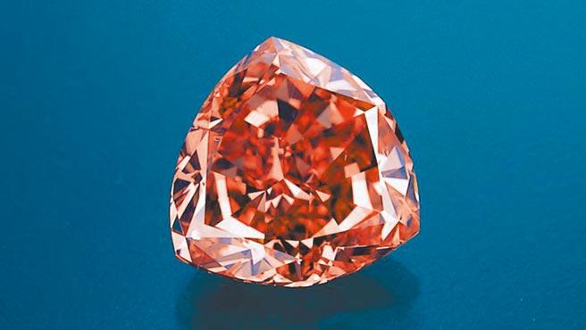 Moussaieff擁有不少珍稀名鑽,此名為「Moussaieff Red」5.11克拉紅鑽,是全世界最大顆的紅鑽。(Moussaieff提供)