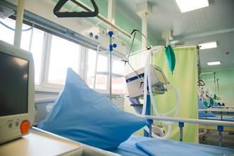 新冠肺炎1055人重症 60歲以上長者達27.5%
