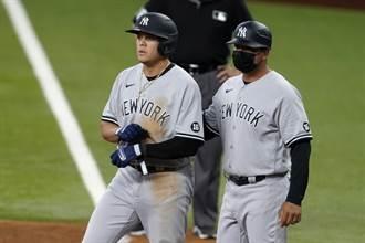 MLB》主審昏頭了 洋基打者三壞球「保送」上壘