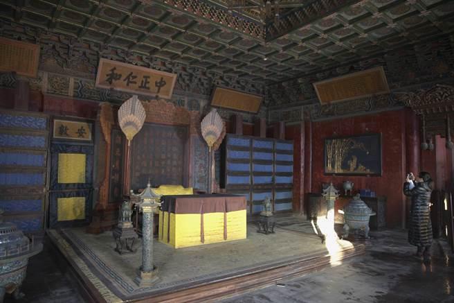 北京故宮博物院養心殿內景。(中新社資料照片)