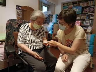 96歲阿嬤血氧掉到70不願打疫苗 蔡壁如曝揪心真相