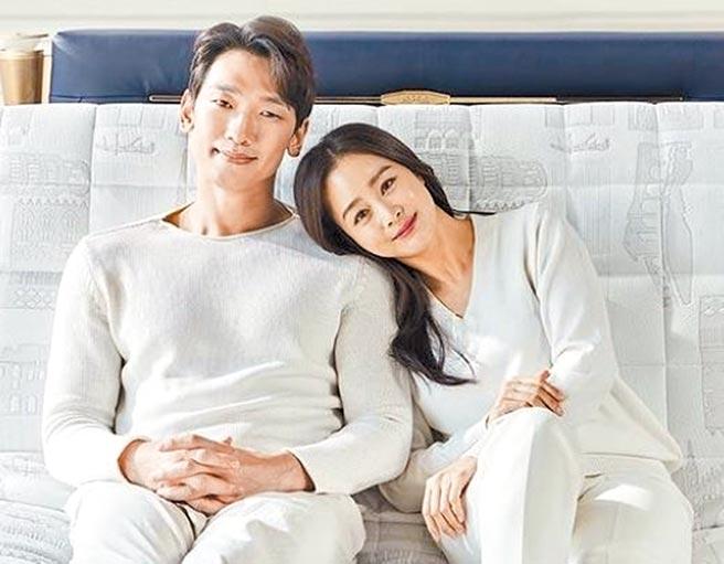 Rain(左)、金泰希夫妻檔榮登「韓星房產富翁」冠軍寶座。(摘自IG)