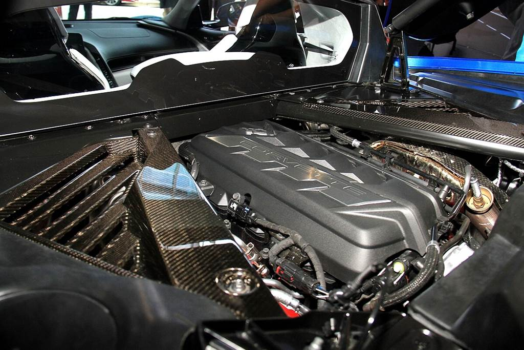 走出美國成為世界級跑車!Chevrolet Corvette Stingray C8 右駕版本於日本全球首發!