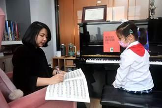 台灣人在大陸》高雄鋼琴教師「姐妹花」福建創雲端教室