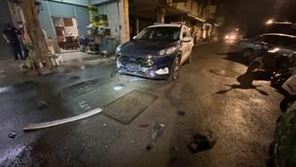 狂徒台中街頭搶轎車陷死巷 倒車撞壞警車突圍逃逸