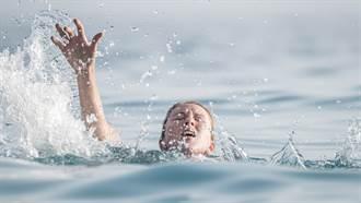 家人被急流沖走!7歲男童竟獨自游1小時上岸求救