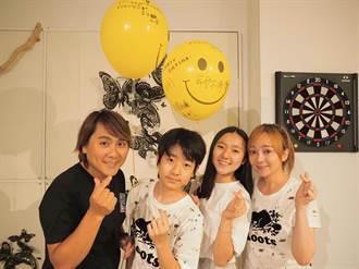 王仁甫一家偕167萬粉絲 直播26小時防疫宅在家