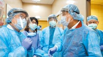 確診者砍3醫護 員警冒險壓制