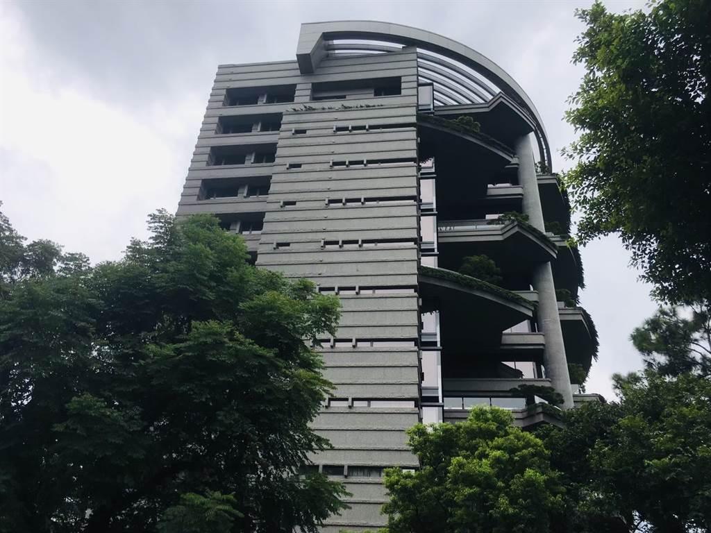 台北市中正區知名豪宅「松濤苑」2樓戶在今年4月交易,成交總價4.7億元,每坪約250萬。(葉思含攝)