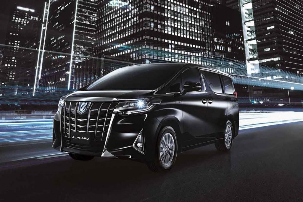 新增日本原廠 E-Mirror 數位後視鏡、取消銀色,Toyota Alphard Hybrid e-Four 286萬悄悄接單上市