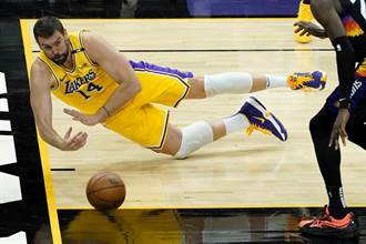 NBA》巴克利斷言:湖人衛冕機率為零