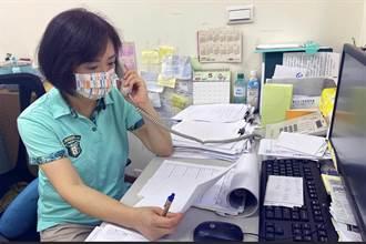 立委何欣純陪女兒視訊上課 突被老師點名「合力為(何立委)」