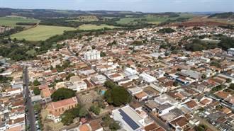 美媒:科興疫苗讓巴西4.6萬人小城恢復了 老婦拒打變唯一重症