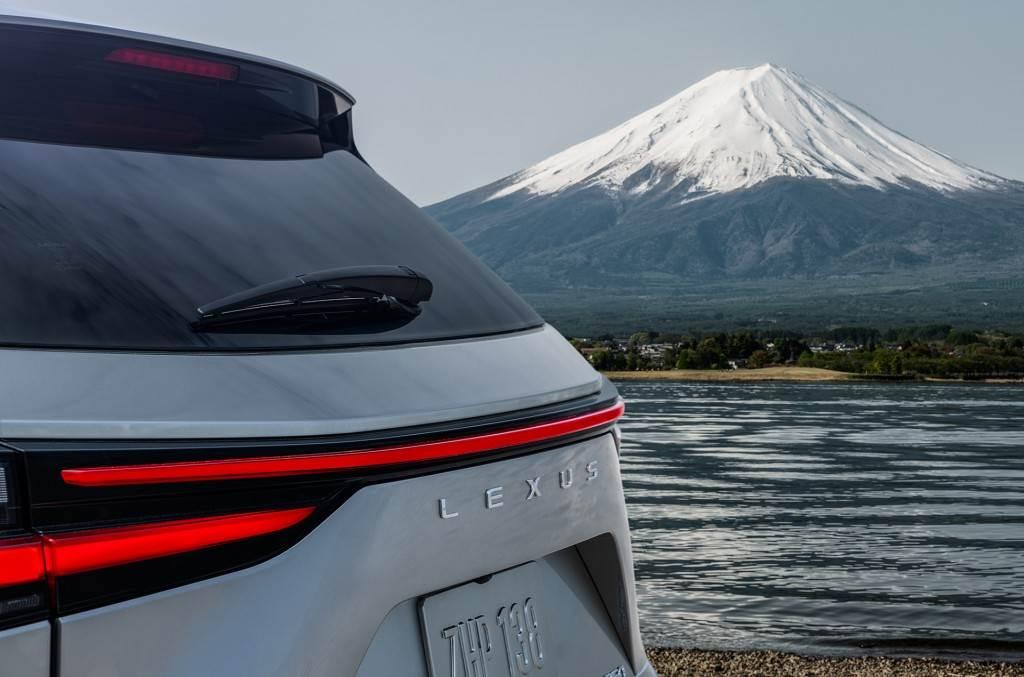 改採 GA-K 平台、導入多種新能源動力組合,Lexus NX 大改款即將於 6/12 全球線上首發