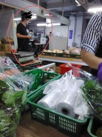 新北果菜市場無「罩」抽菸聊天 江惠貞:不容許成為破口
