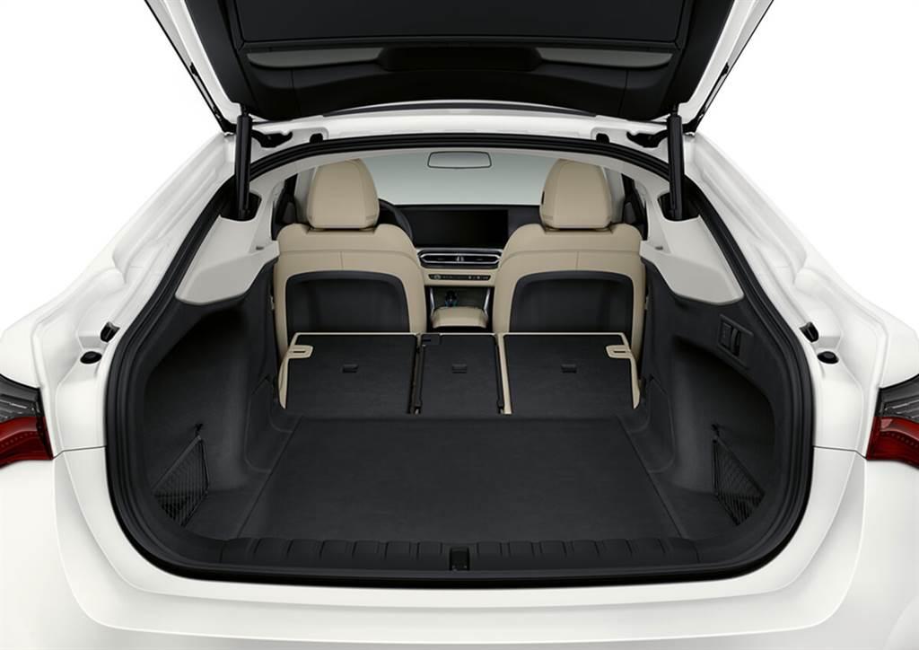 BMW i4正式亮相 & M Power首度推出電動車款-外觀內裝篇