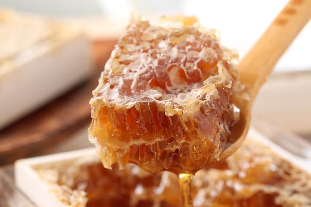 藥補不如食補 薑黃+蜂蜜黃金比例 打造防疫力