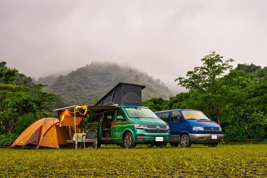 一同作伴的好友以VW T4 Caravelle作為露營用車,相較於得要大費周章搭設帳棚的露營方式,California只需升起車頂、拿出桌椅就完成,架帳過程可說輕鬆寫意,尤其試駕當日飄著綿綿細雨,更顯現露營車的價值所在。