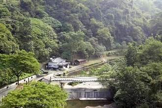 線上遊茂林  防疫在家賞涼山瀑布美景