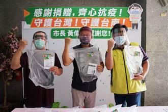 議員郭鴻儀捐防護面罩助傳統市場抗疫 林易瑩捐消防員護目鏡