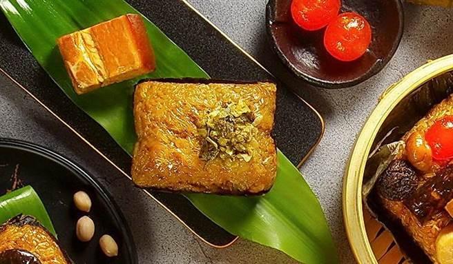 天成大飯店的〈寧式東坡肉粽〉, 是以飯店招牌菜式的「寧式東坡肉」入餡。(圖/天成大飯店)